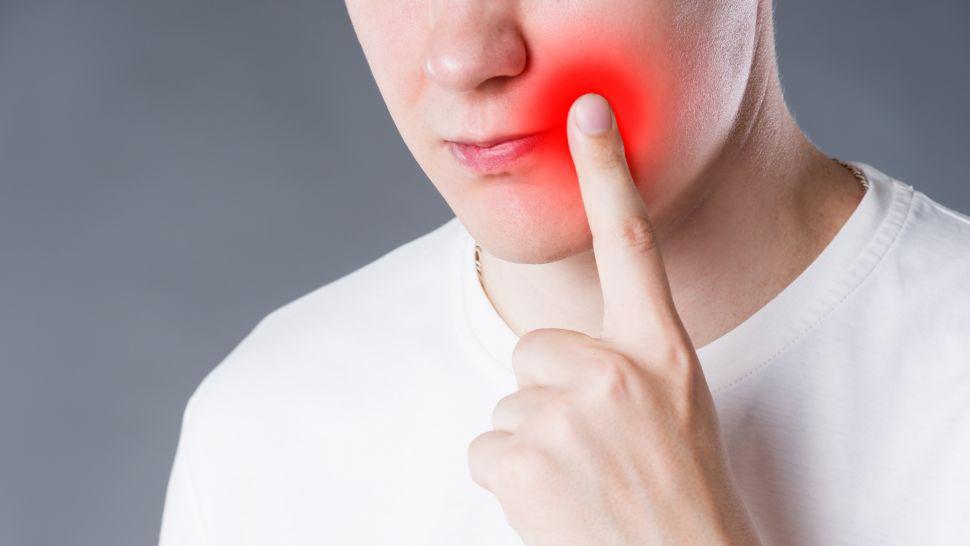 Какво е лечението при нараняване в устата?